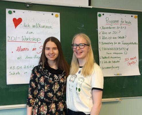 Am Freitag, den 13: März haben Martina Eerme (11a) und Anna-Liisa Merilind (12a) an der Raatuse Schule in Tartu den Workshop Jugend debattiert international geleitet.