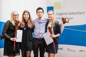 Jugend debbatiert international