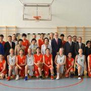 sõpruskohtumine korvpallis Hiina kooliga